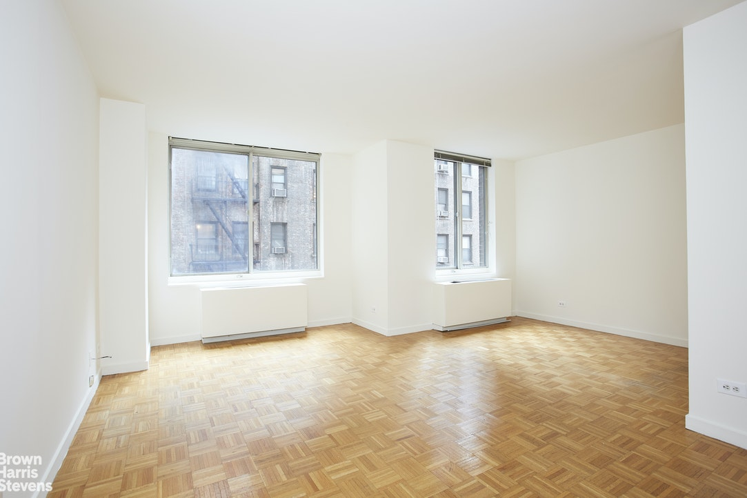 145 East 48th Street 6B, Midtown East, NYC, $2,350, Web #: 20393592