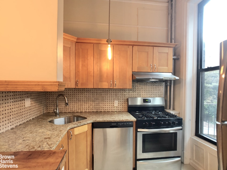 4 First Place 2, Carroll Gardens, New York, $2,700, Web #: 20407517