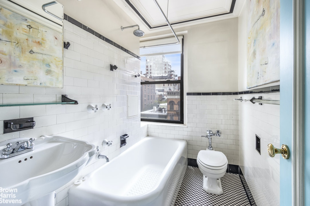 205 East 78th Street 7D, Upper East Side, NYC, $389,000, Web #: 20408239