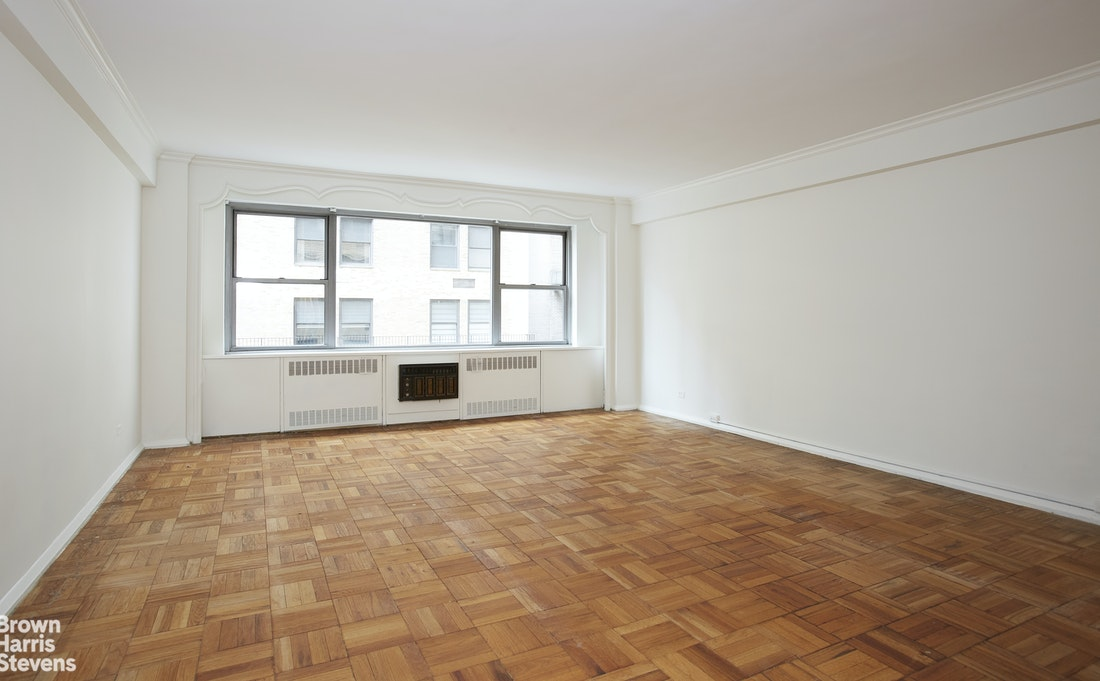 110 East 57th Street 11A, Midtown East, NYC, $599,000, Web #: 20511227