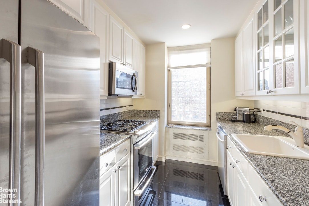 308 East 72nd Street 14A, Upper East Side, NYC, $10,000, Web #: 20511727