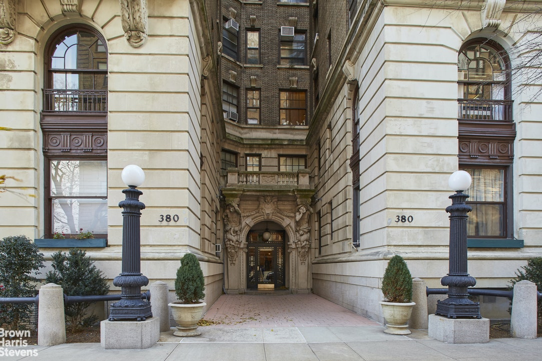 380 Riverside Drive 7P, Upper West Side, NYC, $669,000, Web #: 20537644