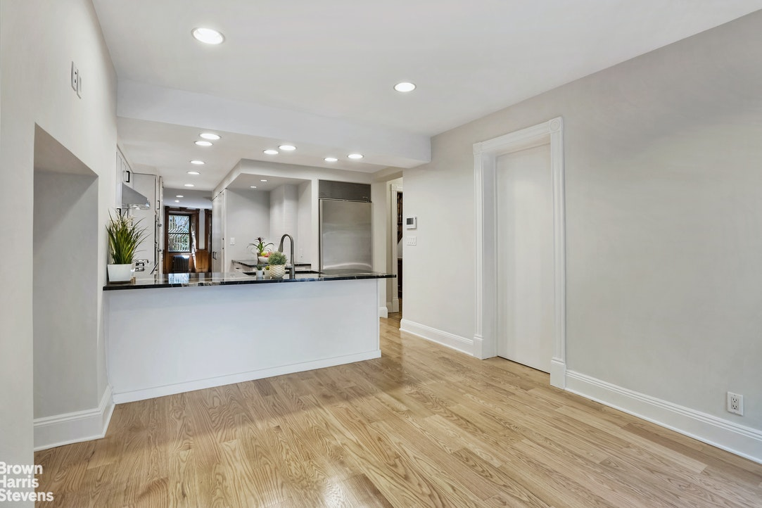 Fabulous Park Slope Triplex With Garden, Brooklyn, New York, $9,000, Web #: 20581884