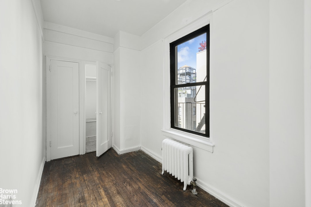 135 East 74th Street 10A, Upper East Side, NYC, $2,250,000, Web #: 20618458