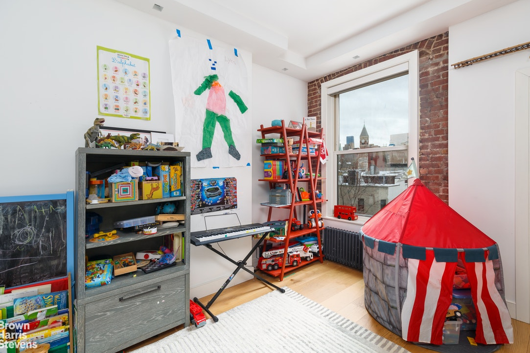 119 Waverly Place Ph, West Village, NYC, $4,000,000, Web #: 20656940