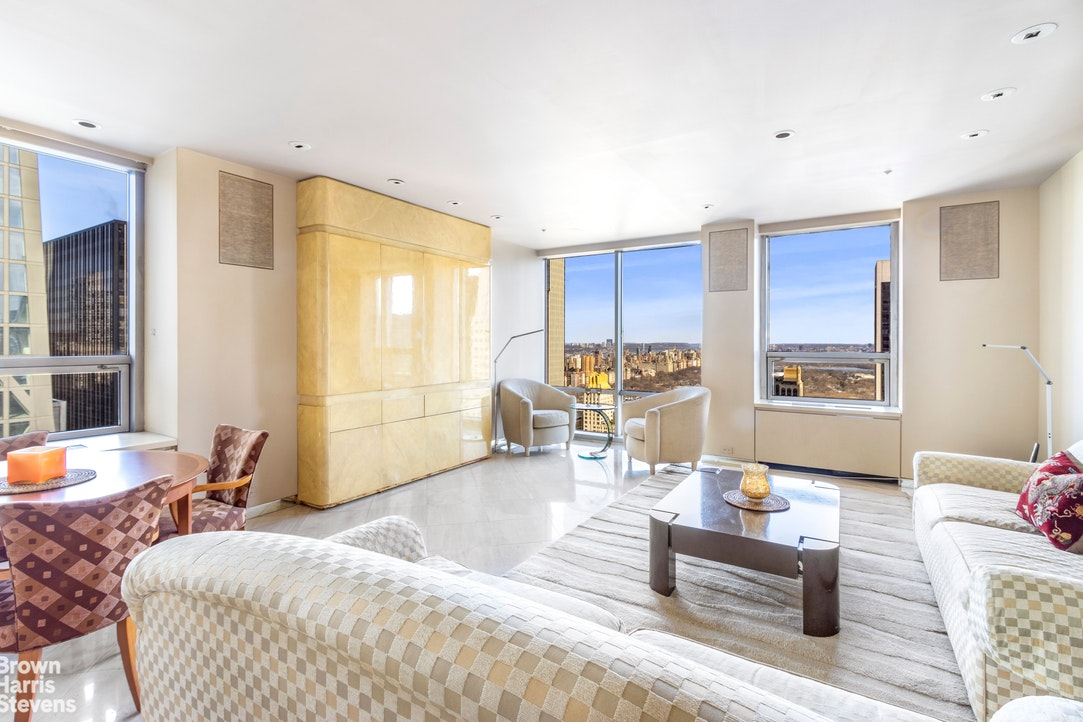 15 West 53rd Street 50F, Midtown West, NYC, $2,600,000, Web #: 20682883