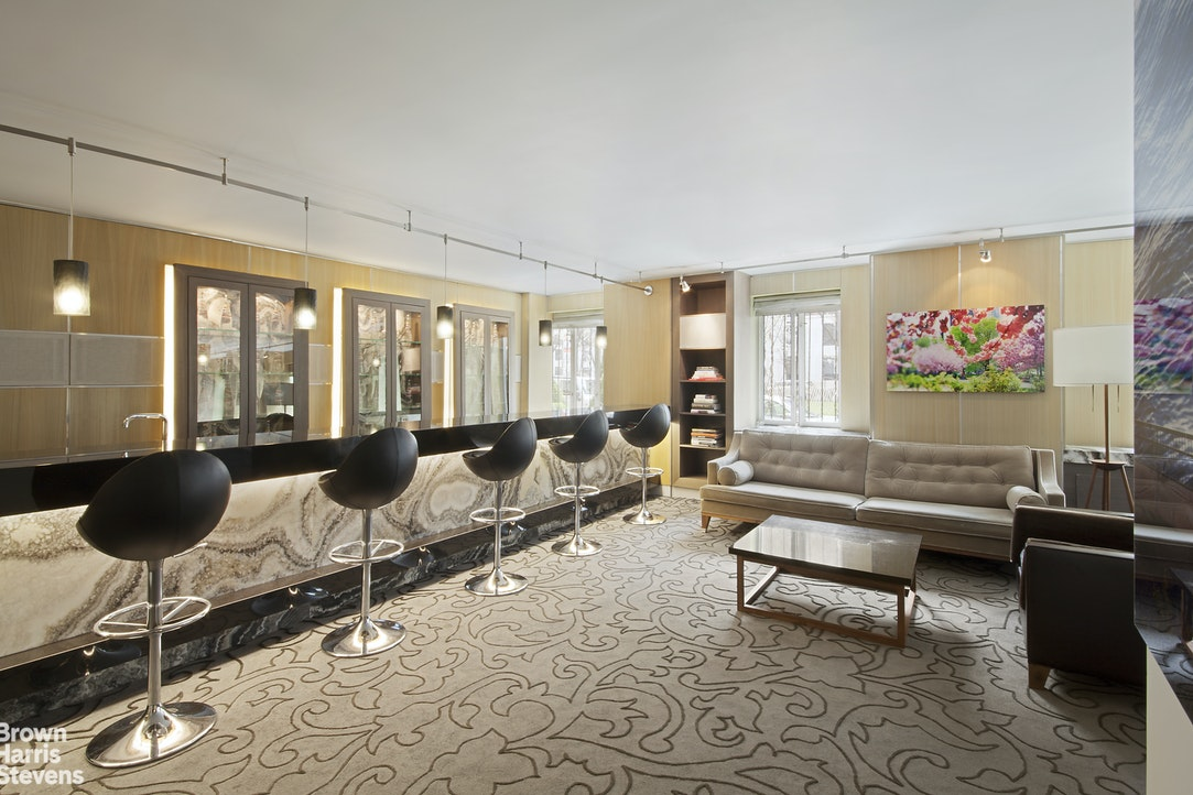 333 Rector Place 1106, Battery Park City, NYC, $719,000, Web #: 20692638