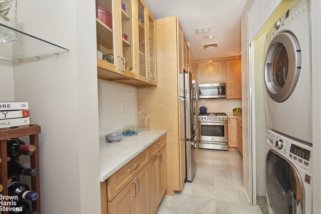 55 Liberty Street 17A, Financial District, NYC, $584,000, Web #: 20701304