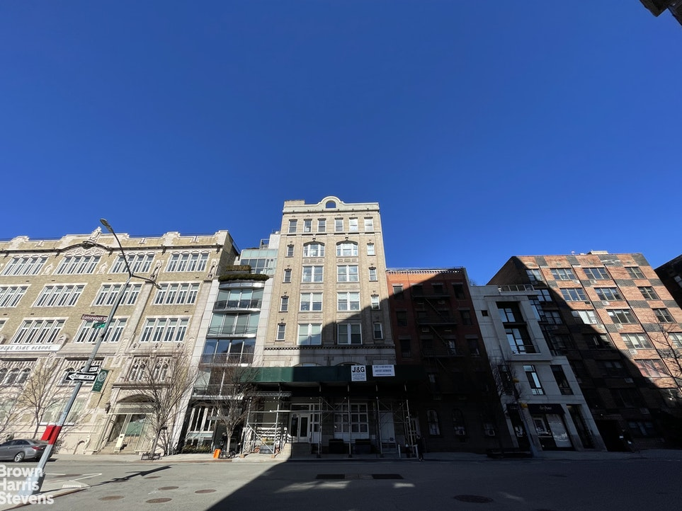321 West 13th Street 2C, Meatpacking District, NYC, $7,250, Web #: 20747703
