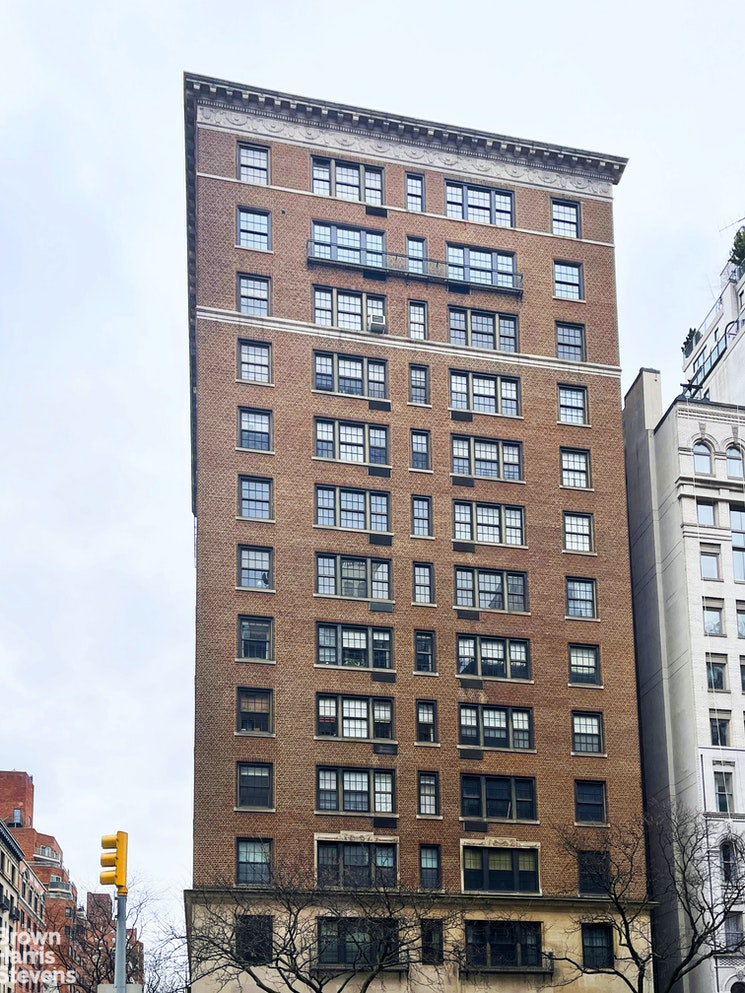 815 Park Avenue 11B, Upper East Side, NYC, $2,950,000, Web #: 20757104