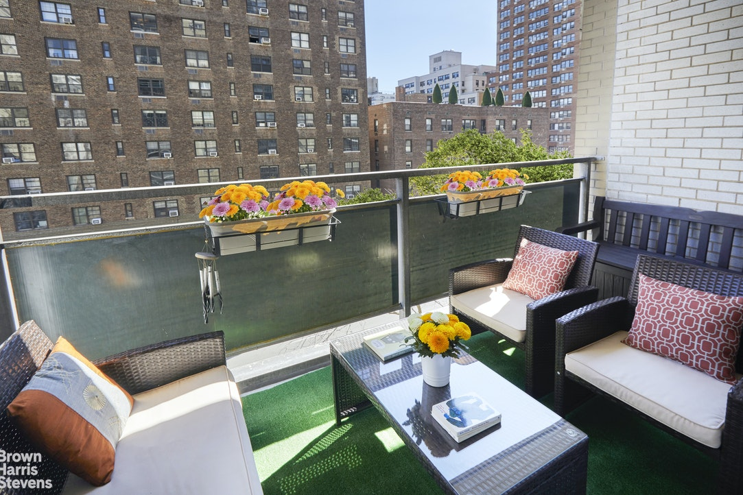142 East 16th Street 7D, Gramercy Park, NYC, $875,000, Web #: 20757138