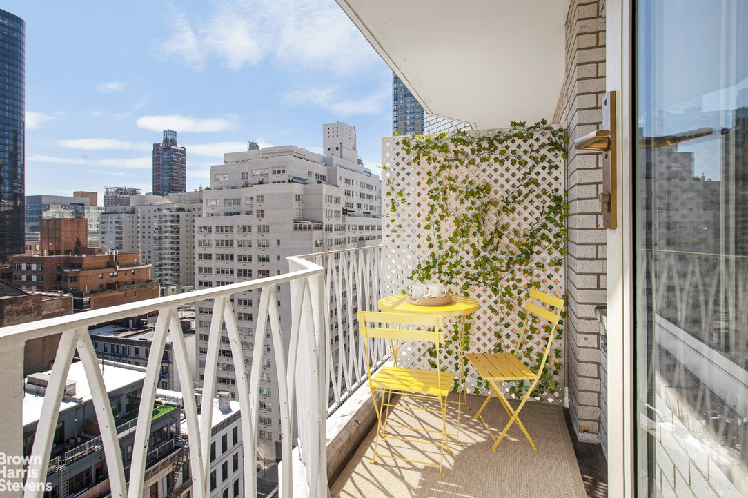 1160 Third Avenue 17G, Upper East Side, NYC, $440,000, Web #: 20763968