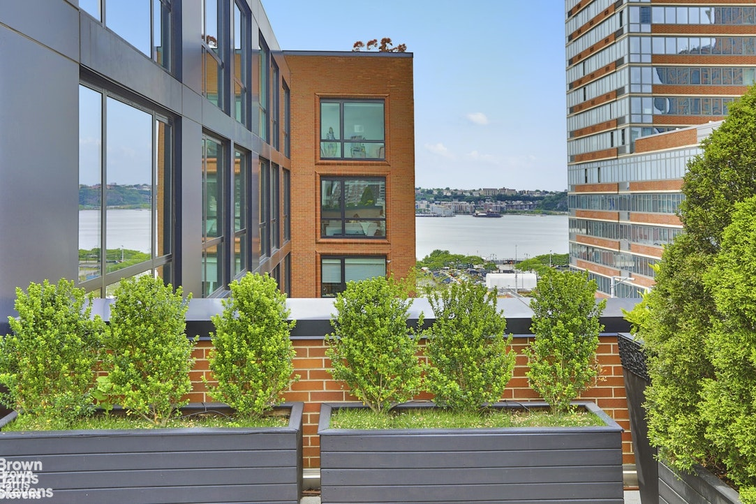540 West 28th Street 12C, Chelsea, NYC, $3,375,000, Web #: 20836242