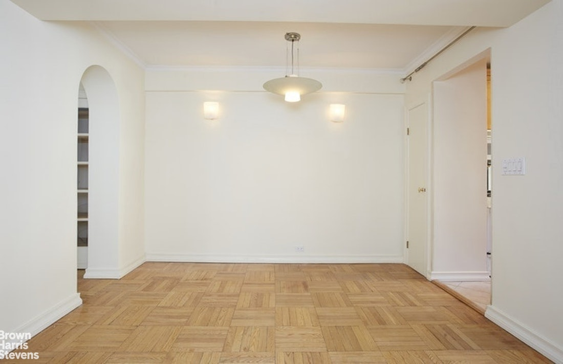 715 Park Avenue 2B, Upper East Side, NYC, $2,695,000, Web #: 20877036