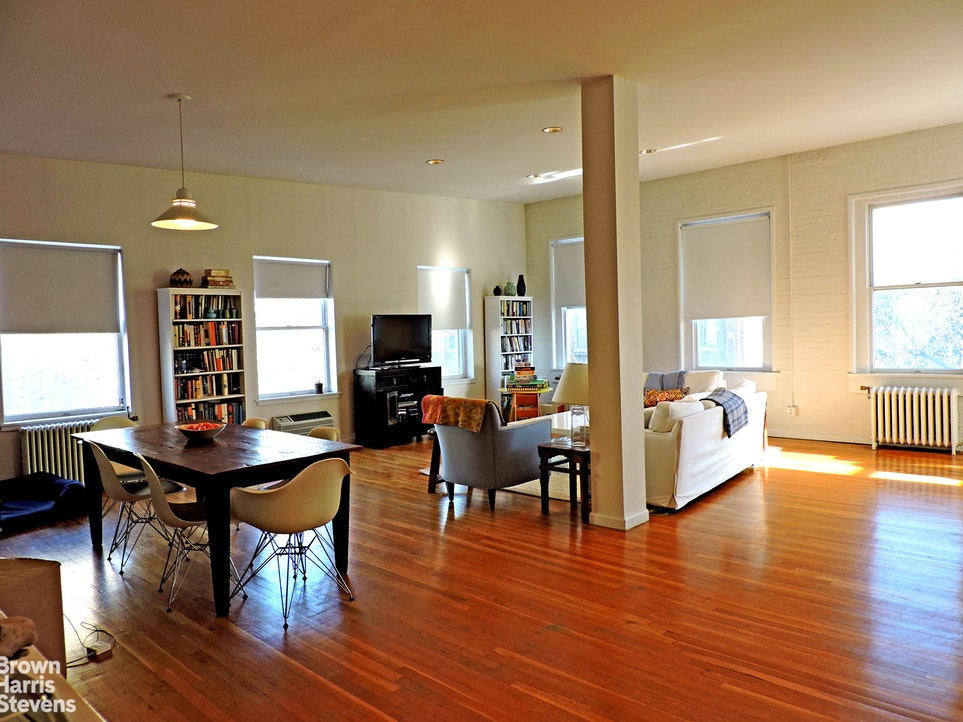 22 Wyckoff Street Top, Cobble Hill, New York, $6,800, Web #: 20878319