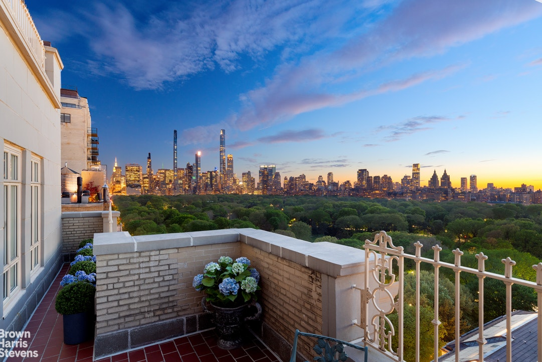 EXCEPTIONAL FIFTH AVENUE PENTHOUSE