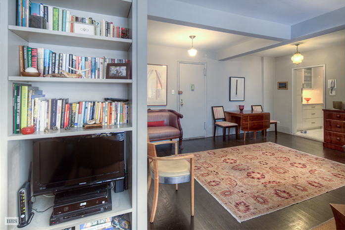 30 East 9th Street 4J, East Village, NYC, $770,000, Web #: 3311421