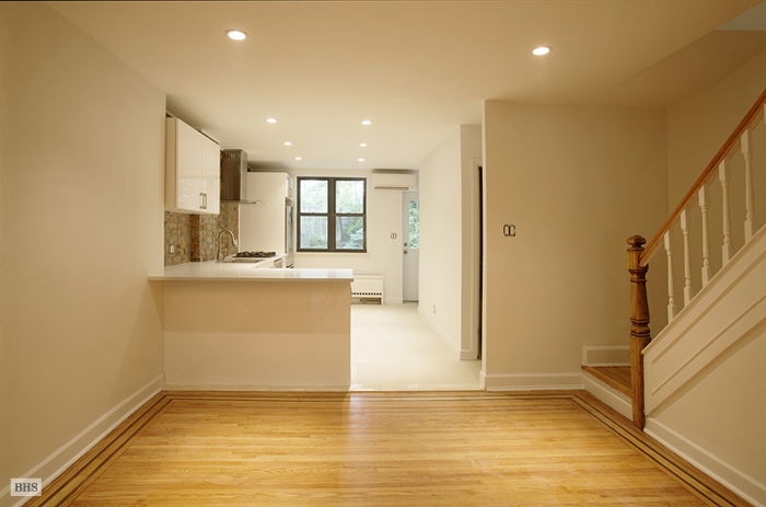 Washington Avenue, Brooklyn, New York, $4,500, Web #: 3314658