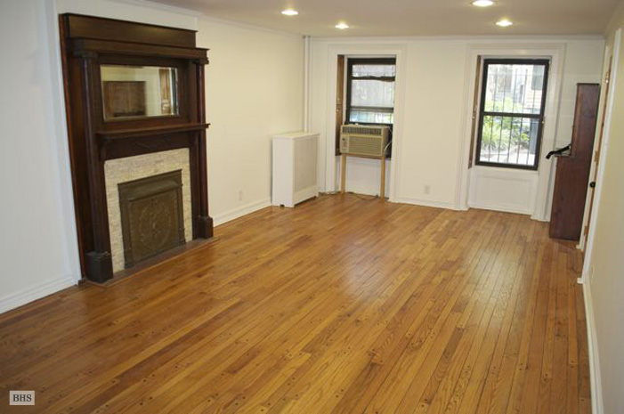 7th Street, Brooklyn, New York, $2,400, Web #: 3324610