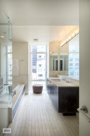 207 East 57th Street, Midtown East, NYC, $2,455,000, Web #: 3332650