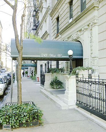 West 98th Street, Upper West Side, NYC, $6,250, Web #: 3332774