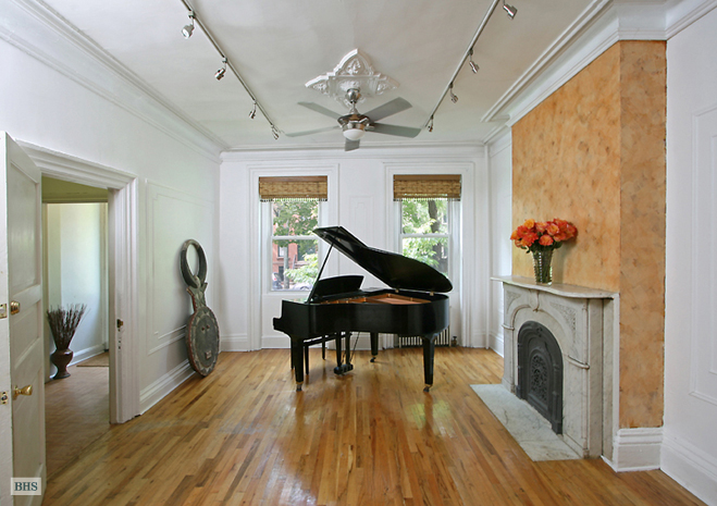 Fort Greene, Brooklyn, New York, $1,550,000, Web #: 3351899