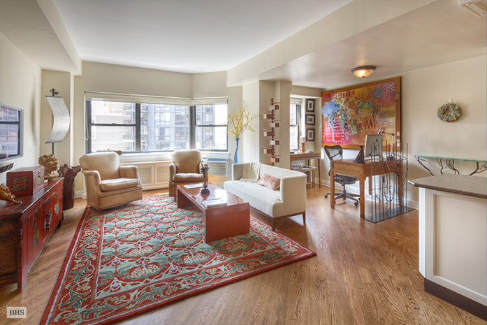 357 East 57th Street, Midtown East, NYC, $1,045,000, Web #: 3392848