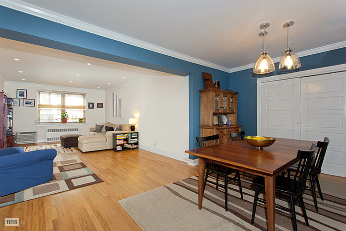70 Riverside Drive, Upper West Side, NYC, $1,100,000, Web #: 3448976