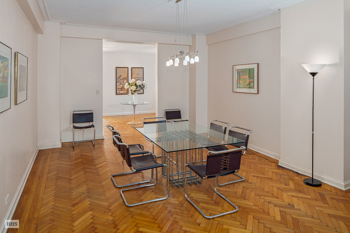 300 Central Park West, Upper West Side, NYC, $4,307,124, Web #: 3526305