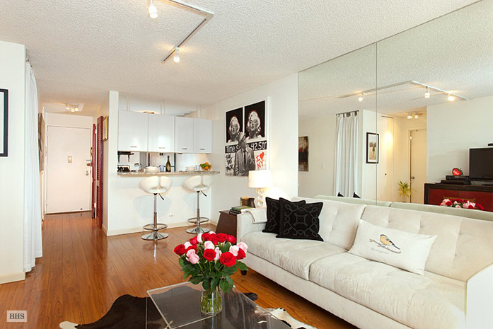 445 Fifth Avenue 27G, Midtown East, NYC, $680,000, Web #: 3544436