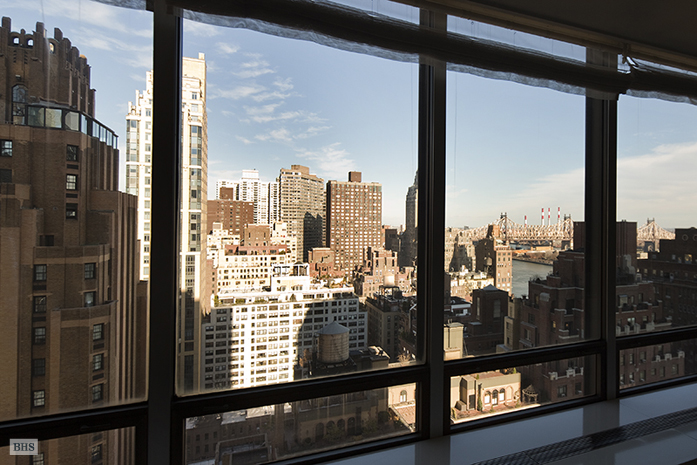 860 United Nations Plaza, Midtown East, NYC, $3,050,000, Web #: 3613691