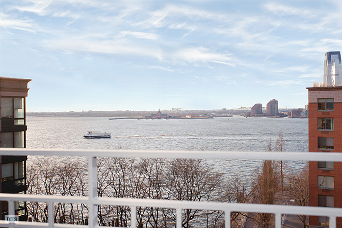 2 South End Avenue, Battery Park City, NYC, $950,000, Web #: 3617577