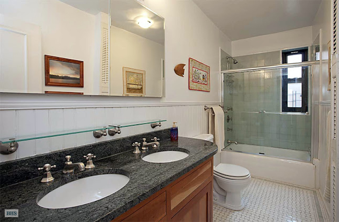 316 West 84th Street, Upper West Side, NYC, $2,090,000, Web #: 3655188