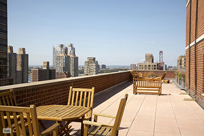 130 West 67th Street, Upper West Side, NYC, $594,000, Web #: 3669400