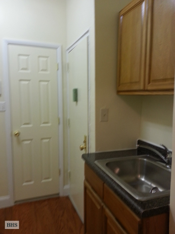 West 50th Street, Midtown West, NYC, $1,850, Web #: 3687923