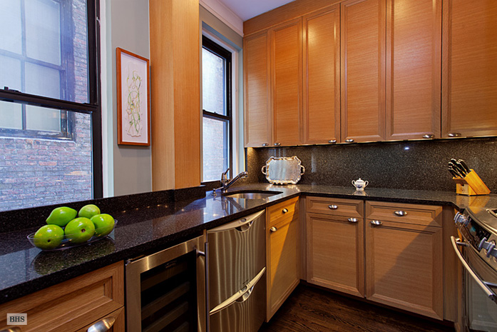 205 West 54th Street, Midtown West, NYC, $575,000, Web #: 3696547