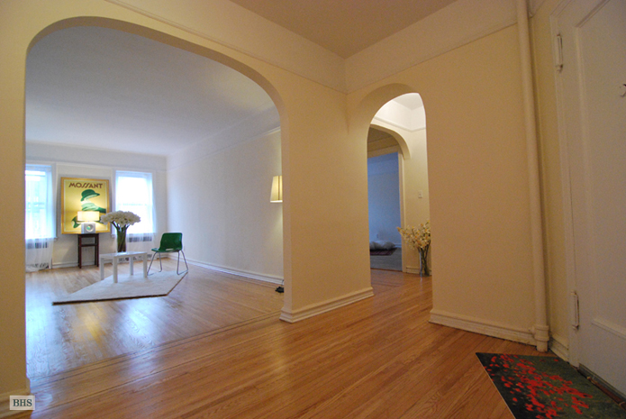 -10 34th Ave, Queens, New York, $352,000, Web #: 3718254