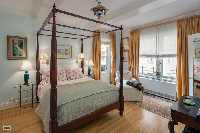 50 East 72nd Street, Upper East Side, NYC, $3,324,000, Web #: 3852513