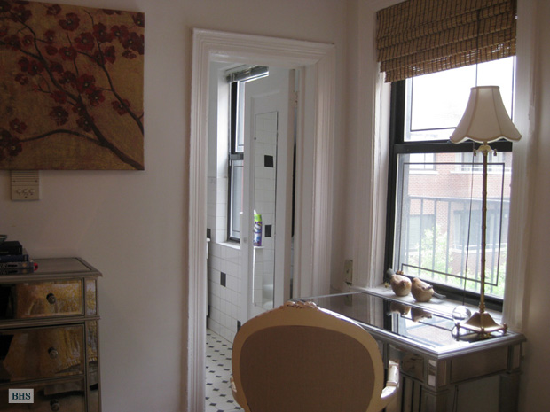 Bleecker Street, West Village, NYC, $2,150, Web #: 4025560