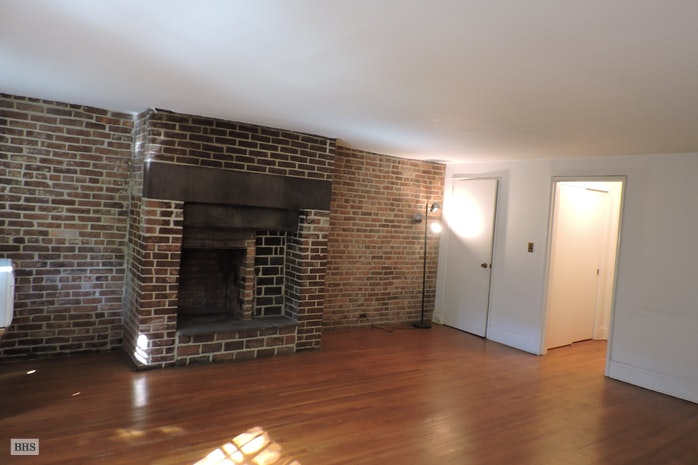 190 Warren Street Garden, Cobble Hill, New York, $2,700, Web #: 450031