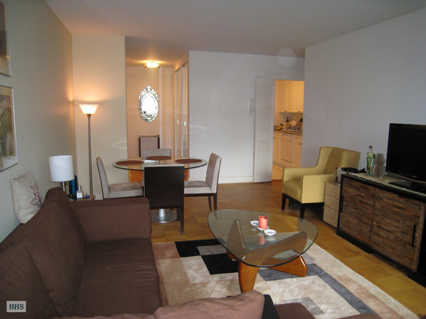 West 57th Street, Midtown West, NYC, $4,000, Web #: 8593554