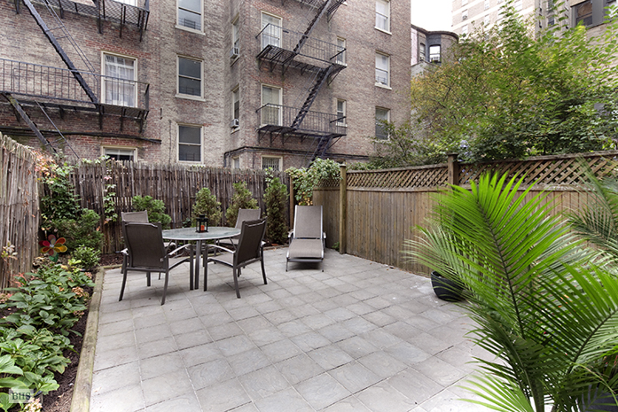316 West 90th Street, Upper West Side, NYC, $1,150,000, Web #: 9168935