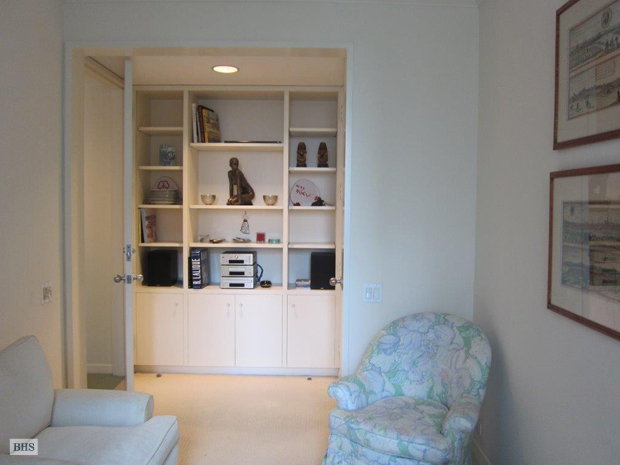 15 West 53rd Street, Midtown West, NYC, $960,000, Web #: 9174080