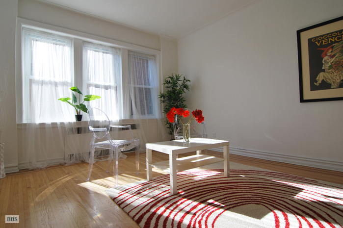 Shiny And New 2BR Gift, Queens, New York, $350,000, Web #: 9315820