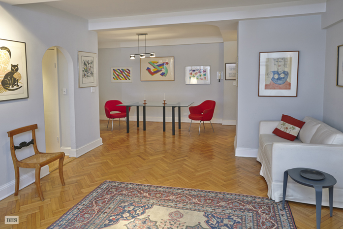 44 East 67th Street, Upper East Side, NYC, $1,320,000, Web #: 9414540