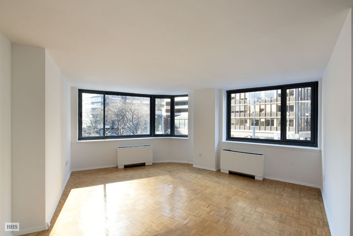 2000 Broadway, Upper West Side, NYC, $2,300,000, Web #: 9573091