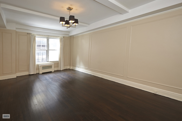 150 East 49th Street, Midtown East, NYC, $885,000, Web #: 9798288