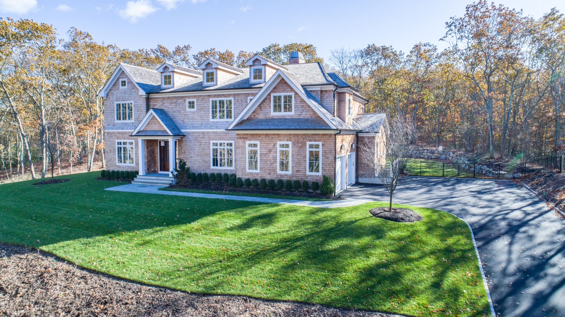 131 Laurel Valley Drive, Water Mill, NY, $3,495,000, Web #: 729594