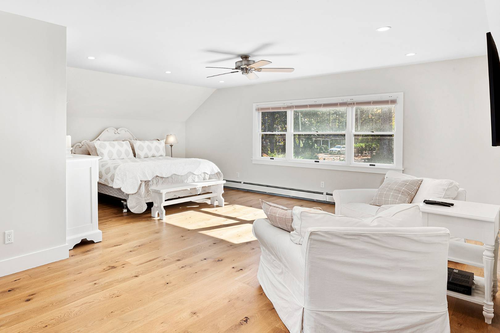 53 Maple Lane, East Hampton, NY, $2,350,000, Web #: 873684
